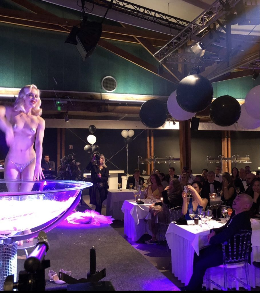 Fay Loren champagne act