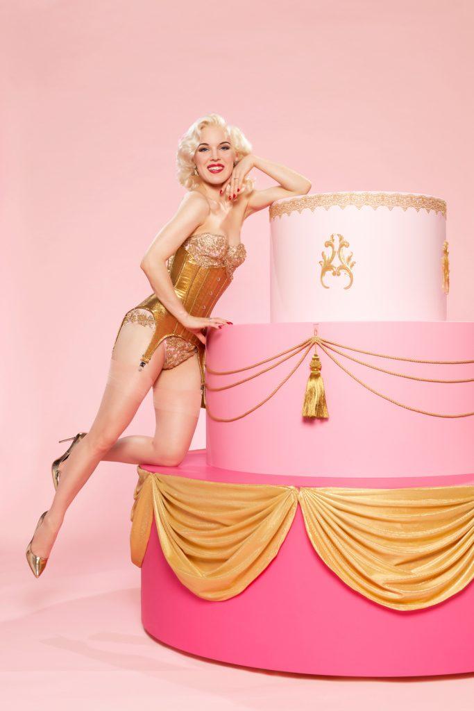 danseres uit taart Fay Loren