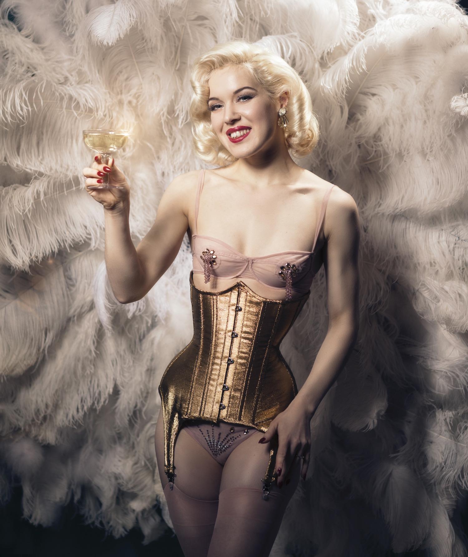 Fay Loren Burlesque act